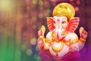 Ganpati Bappa Morya, Download Ganpati Aarti, Ganpati Stotra, Ganpati Atharvashirsha and some tips on Decoration